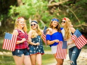 4th of July styled senior portraits group photo shoot in Dallas by the water creek photographed by Chantal Brown Photography.