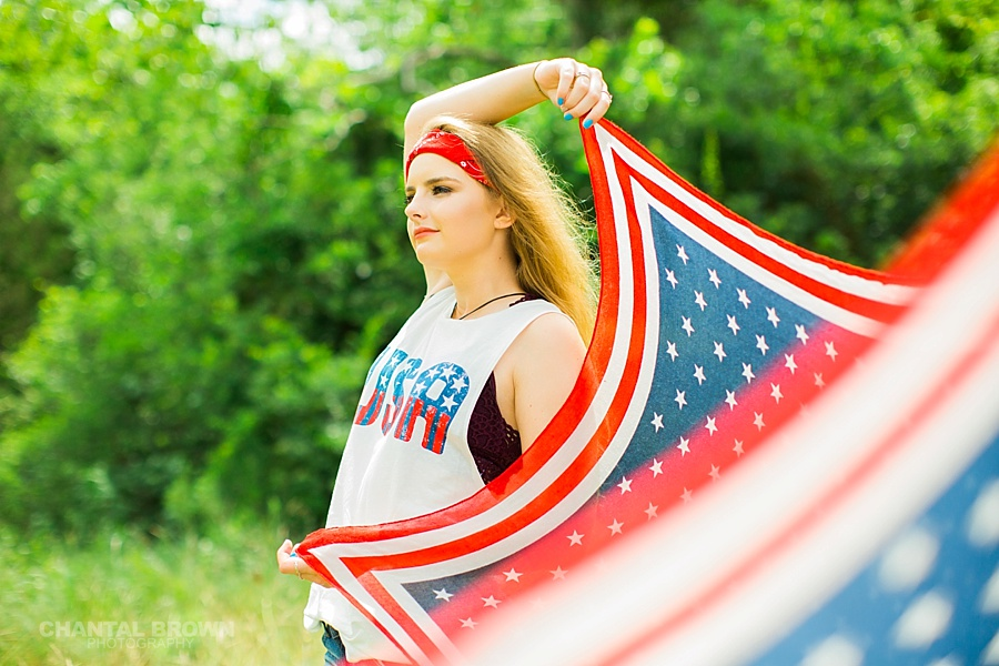 American flag styled senior portraits photo shoot in Dallas of a Plano East High school girl.